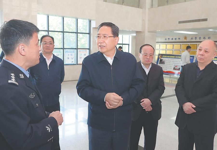 李锦斌在淮南现场督导调研扫黑除恶专项斗争工作
