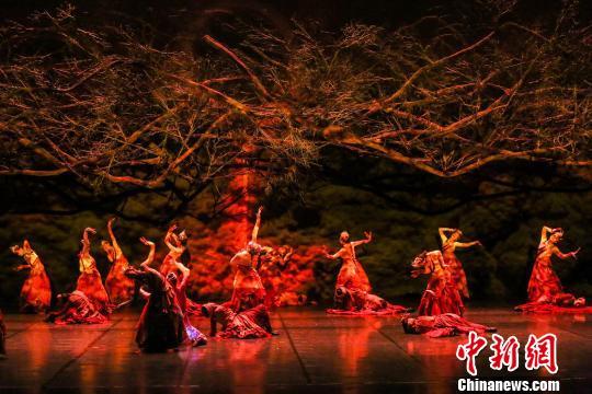 舞剧《库布其》用寓言讲述环保民族元素国际表达