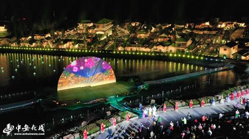 安徽太湖:光影技术融合经典黄梅戏剧目实景现场宛如仙境