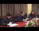 各代表团分组讨论县委工作报告和县纪委工作报告
