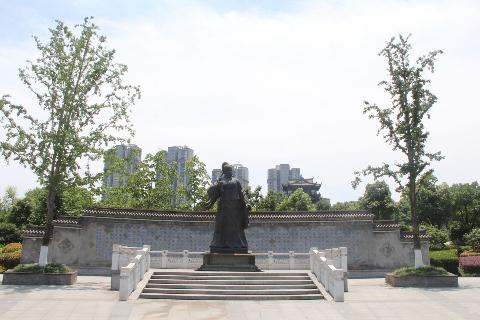 宣城梅氏文化始祖梅尧臣雕像