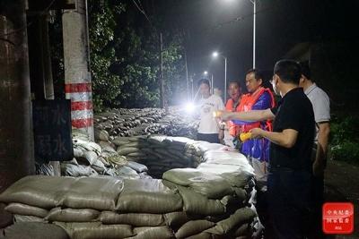 一線鏡頭 | 安徽紀檢監察干部奮戰在長江防汛一線