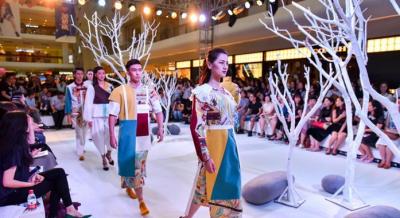 """丝路文化""""穿上身"""" 西安大学生用创意设计致敬青春"""