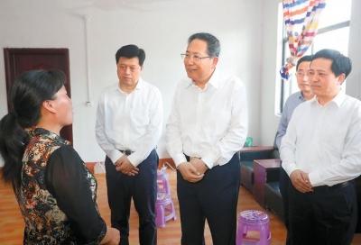 """李锦斌深入萧县利辛实地调研""""三大攻坚战""""推进情况"""