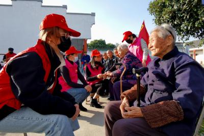 乌江镇:志愿服务走进敬老院